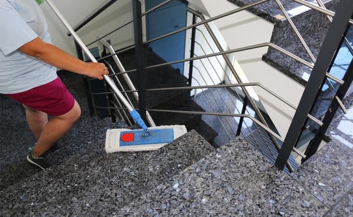 Schreiber-Diesntleistungen-Treppenhausreinigung-Header-1